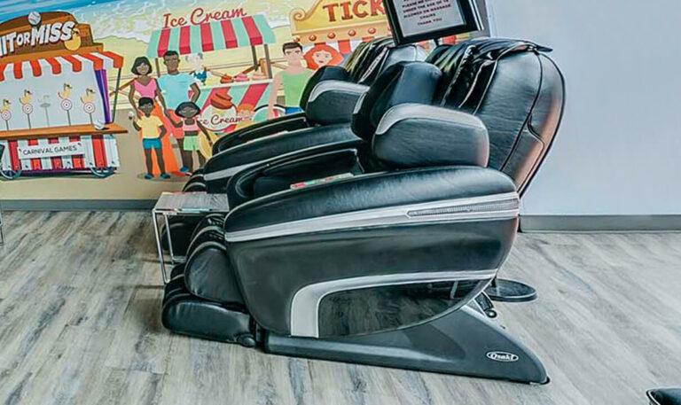feature-massage-chair-desktop@2x